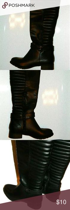 """LUXE JUSTFAB Boots Knee High Black Sz 8M NEW LUXE JUSTFAB Berria Women's Knee High Boots Shoes Faux Leather Black Sz 8M NEW  ?        Brand: Luxe by Justfab ?        Style: Berria ?        Color: Black ?        Material: Faux Leather ?        Pattern: Solid ?        Heel Type: Block 1 1/4"""" ?        Size: 8 ?        Width: Medium ?        Country/Region of Manufacturer: --- ?        Condition: NEW w/o Box Luxe Shoes Heeled Boots"""