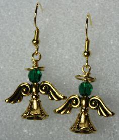 Brincos Anjo c/asas TierraCast+ cristal sw verde esmeralda -Christmas Earrings - D'Rae Designs