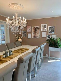 @villalersveen Dining Room Inspiration, Dining Table, Dining Rooms, My House, Room Decor, Furniture, Beauty, Ideas, Pintura