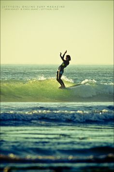 Another great shot by Chris Grant - Jettygirl surf blog. Erin Ashley noseride in San Diego County.