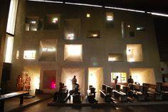 """LE CORBUSIER, """"CAPPELLA DI NOTRE-DAME-DU-HAUT  Resurrezione e ferite  http://lucatraini.blogspot.it/2014/11/le-corbusier-cappella-di-notre-dame-du.html"""