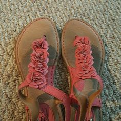 b.o.c pink flower sandlas! Well loved, but still have a lot of life! Bottoms are in decent condition. A little discoloration. Size 9. Shoes Sandals