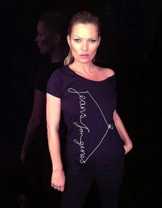 Supermodel Kate Mosshas used her model good looks for a good cause by posing in her Jeans for Genes charity T-shirt to raise awareness - Get your own Jeans for Genes limited edition Fashion Tshirt or other merchandise (denim bag, white Tshirt, badges...) by clicking here: http://www.jeansforgenesday.org/webshop/