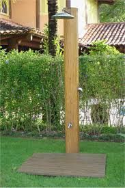 Bellos Disenos Para Duchas Exteriores Ducha De Piscina Ducha De Jardin Ducha Exterior