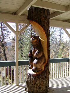 Wooden stumps chiseled into masterpieces Chainsaw Wood Carving, Wood Carving Art, Wood Art, Wood Carvings, Bear Decor, Tree Carving, Timber House, Art Carved, Wood Creations