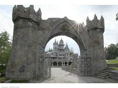 Gothic Castles (part 1) - THE BEAUTY AROUND US - Earth Monster World