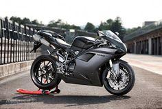 Ven lo que les digo de los italianos? Gun metal - Ducati 848