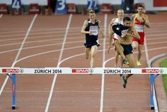 Colpo di scena agli Europei di Zurigo dove il vincitore, il francese Mahiedine Mekhissi-Benabbad, è stato squalificato perché sull'ultimo rettilineo, ormai solo, si era sfilato la maglia, percorrendo gli ultimi 80 metri a petto nudo. Il giudice gli aveva mostrato un cartellino giallo d