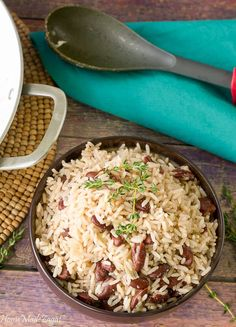 A fool proof recipe for making flavorful Jamaican rice and peas using coconut milk and kidney beans. #Homemadezagat #ricenpeas #Jamaican #Sides
