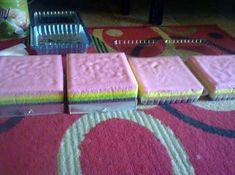 Resep Bolu Pelangi Jual 40 Ribu Pastry Recipes, Cake Recipes, Bolu Cake, Brownies Kukus, Red Velvet Brownies, Resep Cake, Steamed Cake, Snack Box, Brownie Cake