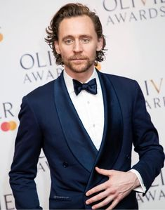 Tom Hiddleston at the Olivier Awards, Royal Albert Hall, London Photo via Torrilla Beautiful Person, Beautiful Boys, Pretty Boys, Beautiful Hands, Royal Albert Hall, Thomas William Hiddleston, Tom Hiddleston Loki, James Norton, Cinema