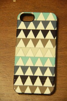 Personalized iPhone case from Get Uncommon - Triangles Print