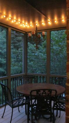 Screened Porch Makeover-Add lights around the top! Will do this to our patio :) Ar Fresco, Gazebo, Outdoor Rooms, Outdoor Decor, Home Porch, Diy Porch, Patio Lighting, Lighting Ideas, Accent Lighting