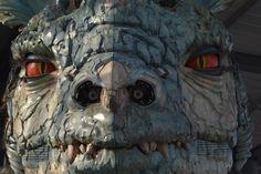 Je suis un chasseur de dragon ! ( mes photos ) - mystique, étrange, gothique Patrick Timsit, Vincent Lindon, Science Fiction, Film D'animation, Mystique, Mount Rushmore, Lion Sculpture, Statue, Photos