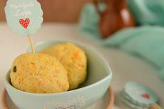 Błyskawiczne bułeczki na śniadanie - do zrobienia w ok 20 minut. Najlepsze zaraz po pieczeniu: mięciutkie, pachnące, cieplutkie, takie prosto z piekarnika.