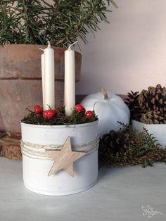 Adventi készülődés az újrahasznosítás jegyében Christmas And New Year, Vintage Christmas, Black And White Flowers, Advent Wreath, Rustic Curtains, Diy Home Decor On A Budget, Autumn Art, Outdoor Christmas, Painting On Wood