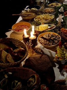 """Wigilia - traditional Christmas Eve supper in Poland"" - click to read an article about the Wigilia custom in Poland"
