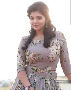 Athulya Ravi is an Indian actress who has appeared in Tamil films. After making her debut with Kadhal Kan Kattudhe Athulya has gone on to act in films including V. Beautiful Girl Photo, Beautiful Girl Indian, Most Beautiful Indian Actress, Beautiful Actresses, Beautiful Women, Beautiful Images, Beauty Full Girl, Beauty Women, Beauty Girls