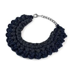 Knot Halfmoon Necklace Navy