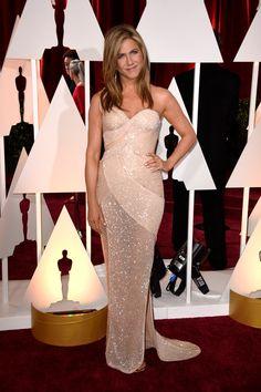 Jennifer Aniston. Versace. Alfombra roja Premios Oscars 2015. #RedCarpet