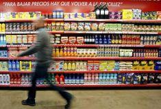 Uno de los tópicos más repetidos de la alimentación dice que  hay que comer de todo, con moderación . Es falso  introducir muchos productos del supermercado en nuestra dieta la hará probablemente más insana.