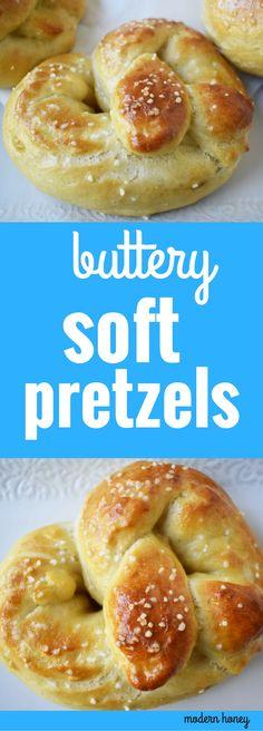 Homemade Soft Pretzels, Pretzels Recipe, Baked Pretzels, Homemade Breads, Baking Recipes, Snack Recipes, Snacks, Baking Desserts, Bread Machine Recipes
