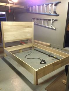 DIY Ideas Kopfteil und Bettrahmen - DIY - Modular Home Plans Offer Dream House on a Budget Article B Diy Twin Bed Frame, Bed Frame Plans, Bed Frame And Headboard, Diy Frame, Bed Plans, Diy Queen Bed Frame, Build Bed Frame, Diy Home Decor Bedroom, Diy Home Decor On A Budget