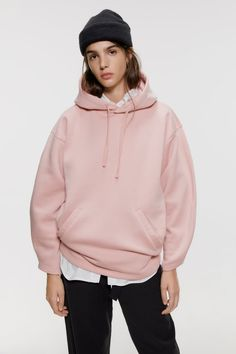 Women's New In Clothes Latest Outfits, New Outfits, Stylish Hoodies, Online Zara, Collared Sweatshirt, Mini Slip Dress, Colorful Hoodies, Hooded Sweatshirts, Ideias Fashion