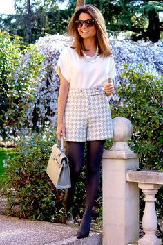 Fashion and Style Blog / Blog de Moda . Post: Special Shorts / Shorts especiales .More pictures on/ Más fotos en : http://www.ohmylooks.com/?p=27121 .Llevo/I wear:  Shorts : Zara (New collection) ; Top : Zendra (El corte Inglés); Bag / Bolso : Barrats ; Necklace / Collar : Vintage market NYC