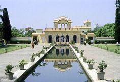 Chandigarh- The City Beautiful http://www.tripoto.com/trip/chandigarh-the-city-beautiful-5177  #City #Travels #Photography #tripoto #travel