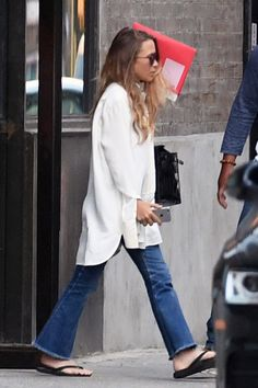 How To Style Your Flare Jeans Like Mary-Kate Olsen
