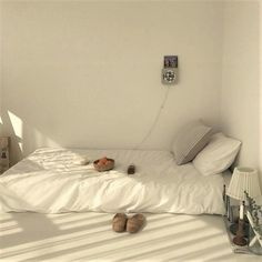 korean bedroom aesthetic room decor seoul beige coffee cream milk tea ideas wooden light soft minimalistic 아파트 침실 アパート 寝室 aesthetic home interior apartment japanese kawaii g e o r g i a n a : f u t u r e h o m e room minimalist g e o r g i a n a