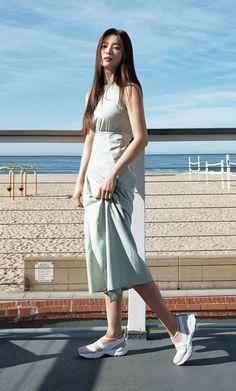Korean Girls Names, Pretty Korean Girls, Fashion Poses, Fashion Outfits, Women's Fashion, Song Hye Kyo Style, Chic Black Outfits, Diy Fashion Hacks, Korean Girl Fashion
