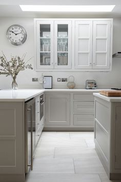 9 Smashing Hacks: Kitchen Remodel Cost Stainless Steel kitchen remodel with island laundry rooms.Cheap Kitchen Remodel Before After old kitchen remodel window.Small Kitchen Remodel With Table. Vinyl Flooring Kitchen, Kitchen Vinyl, New Kitchen, Kitchen Grey, Kitchen Small, Kitchen Decor, White Kitchen Floor Tiles, Stylish Kitchen, Kitchen Interior