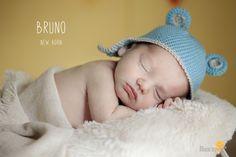 La sesión de recién nacido de Bruno se nos resistió bastante. Y es que parecía que no tenía muchas ganas de dormir y sus papás tuvieron que venir dos días al estudio para poder terminar las fotos de su bebé. Y es que en este tipo de sesiones de new born hay que tener mucha paciencia. Los…
