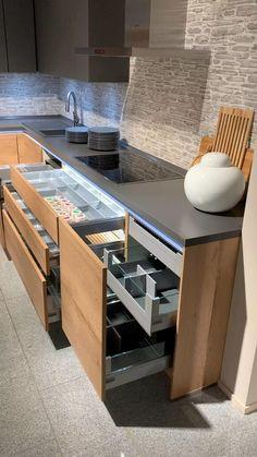 Kitchen Pantry Design, Modern Kitchen Cabinets, Modern Kitchen Design, Home Decor Kitchen, Interior Design Kitchen, Diy Kitchen, Island Kitchen, Modern Countertops, Modern Kitchen Furniture