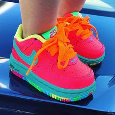 Bring the next production directly into the footware twist with the latest baby sneakers and young one trainers. Baby Girl Shoes Nike, Girls Tennis Shoes, Cute Baby Shoes, Cute Baby Girl, Cute Baby Clothes, Kid Shoes, Cute Babies, Baby Kids, Newborn Girl Outfits
