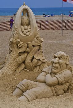 1st Prize in the Hampton Beach Sand sculpture competition- This one's named: It's No Yolk