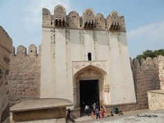 Using the audiovisual guide at Gokonda Fort in Hyderabad is a good idea