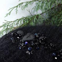 #ohrwärmer #stirnband #merinowool #stricken #frost  #beadsembroidery #i_loveknitting #strickenmachtglücklich #stickerei #kopfschmuck #merinowool #stricken #frost #woolhat #wollmütze #wolle #schal #schalstricken #i_loveknitting #strickenmachtglücklich