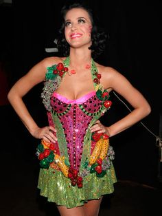 Who else LOVES this photo of the #KatyPerry 2009 Grammy dress? #fruit #fashion