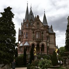Beautiful #castle in #königswinter is one of the most beautiful #places in #germany. #Mustseen while traveling in NRW!