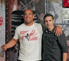 Fright dome at circus circus had a star studded day on tuesday mmaufc superstar tito ortiz and award winning musician coolio visit fright dome at m4hsunfo Gallery