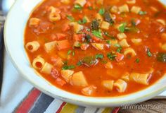 I love minestrone soup and this recipe is a family favorite, packed with lots of speed foods and syn free. I love it chunky style and it feels more like a complete meal. This recipe is gluten free, dairy free, vegetarian, Slimming World(SP) and Weight Watchers friendly Slimming Eats Recipe Green – syn free per...Read More »