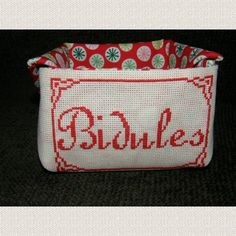 Vide poche - Bidules - Mot, phrase - http://www.caielle-cadiera.com/achat-bidules-391931.html