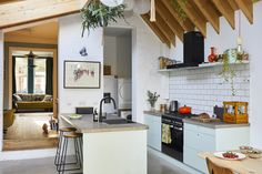 kitchen extensions A kitchen extension can completely transform your home and even increase its value. From how to plan yours to planning permission, layout ideas and adding the final touches, our guide has you covered Open Plan Kitchen, Kitchen Layout, New Kitchen, Kitchen Dining, Kitchen Decor, Kitchen Extension Cost, Architectural Technologist, Design Your Kitchen, Stylish Kitchen