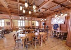 Best-Place-at-the-Historic-Pabst-Brewery---Blue-Ribbon-Hall