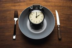 Study finds dopamine, biological clock link to snacking, overeating and obesity - fettleibigkeit High Fat Foods, High Fat Diet, High Calorie Diet, Eating Schedule, Most Effective Diet, Unhealthy Diet, Lose Weight, Weight Loss, Diet Plans For Women