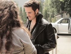 Colin O'Donoghue on the ouat set (8/6/14)