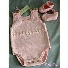 282 Likes, 18 Comments - Kathr Baby Knitting Patterns, Knitting For Kids, Knitting Designs, Baby Patterns, Hand Knitting, Crochet Baby, Knit Crochet, Baby Barn, Knitted Baby Clothes